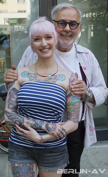 Tattoomodel Mel Riot mit Udo Walz im Sommer 2013