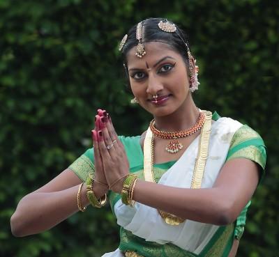 Sangetha Sander hat indische Wurzeln und ist in Berlin Neukölln aufgewachsen.