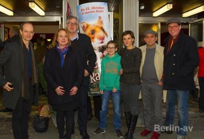 """Premiere """"Rettet Raffi"""" mit Bettina Kupfer, Arend Agthe, Henriette Heinze, Nicolaus von der Recke, Albert Kitzel"""