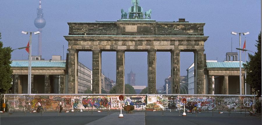 die berliner mauer wo findet man sie noch berlin av berichte fotos und videos aus berlin. Black Bedroom Furniture Sets. Home Design Ideas
