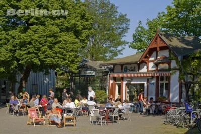 Das Cafe an der alten S-Bahnhalle