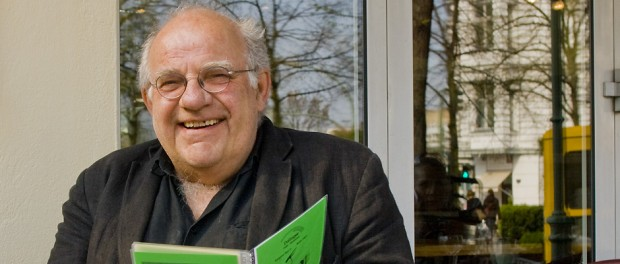 Schauspieler und Buchautor in seinem Kiez in Berlin-Charlottenburg