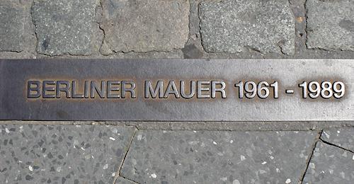 Markierung für den ehemaligen Mauerverlauf