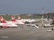 Flugzeuge auf dem Berliner Flughafen Tegel