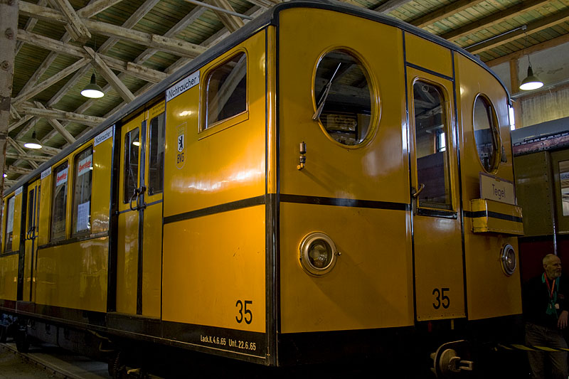 Uralter U-Bahnwagen aus Berlin