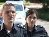 Die Polizisten Jens (Florian Lukas) und Süher (Sophie Dal ) Foto: ZDF/STEPHANIE KULBACH