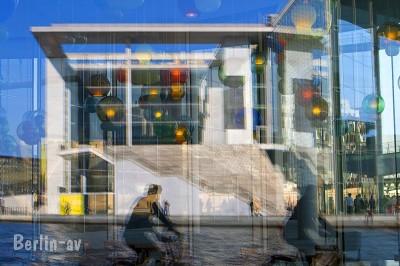 Fototipp Spiegelungen im Regierungsviertel - Marie Elisabeth Lüders Haus