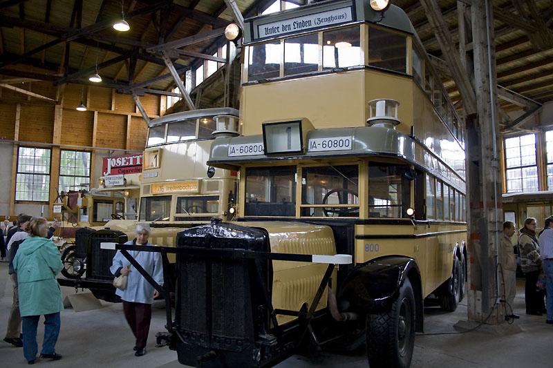 Altberliner Doppeldeckerbusse in der Sammlung Nahverkehr