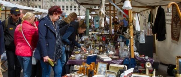Trödelmarkt am Fehrbelliner Platz