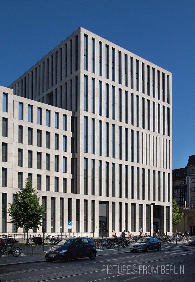 Architektur in Berlin - Jacob-und-Wilhelm-Grimm-Zentrum der HU Berlin
