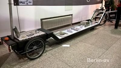 Riesiges Lastenrad auf der Velo Berlin 2016