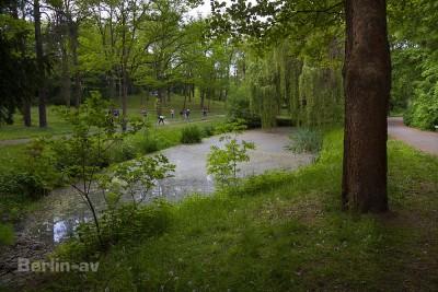 Der Thielpark ist eher ein Geheimtipp unter den Berliner Parks.