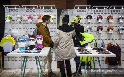 Berliner Fahrradschau 2017 - Bekleidung und Helme