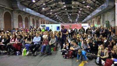 """Reger Andrang beim Auftritt von """"Vegan ist ungesund"""" auf der VeggieWorld 2017 in Berlin"""