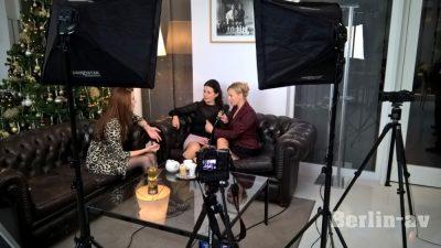 Die Rote Rosen-Stars Patricia Schäfer und Dana Golombek beim Dreh im Ellington Hotel Berlin
