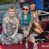 Tattoomodel Mel Riot mit Freundinnen