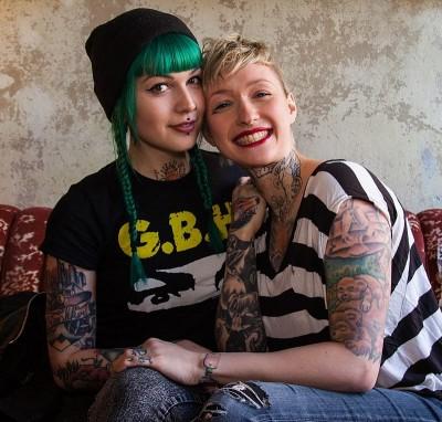 Berliner Frauen: Victoria van Violence und Mel Riot