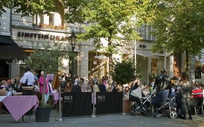Kudamm gemütlich: am George-Grosz-Platz