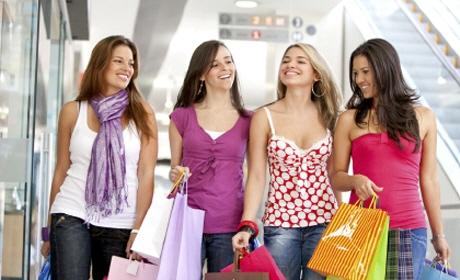 Shoppen mit Freundinnen in Berlin