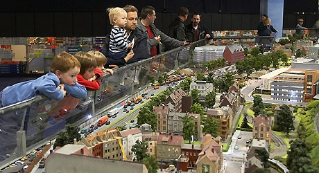 Loxx - Modellbahnschau in der Alexa in Berlin