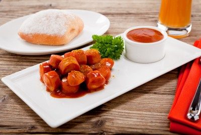 Berliner Spezialität ist die Currywurst. Fakten über Berlin