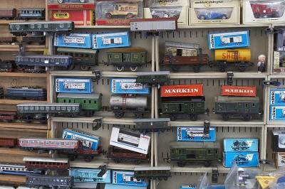 Berliner Trödelmarkt - Auch für Eisenbahnfans gibt es viel zu entdecke