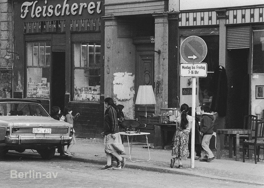 Berlin Kreuzberg - Strassenszene in Kreuzberg Mitte der siebziger Jahre