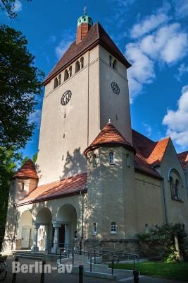 Die evangelische Dorfkirche Alt-Tegel aus dem Jahr 1911/1912
