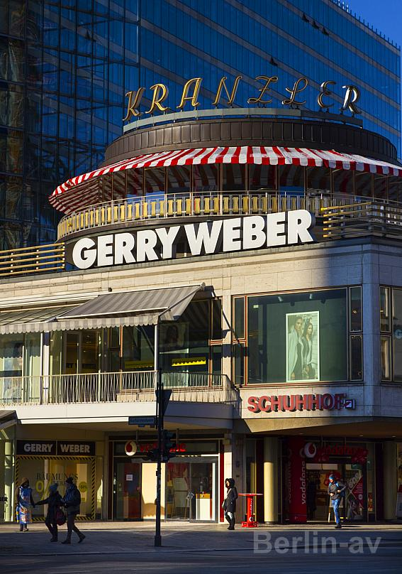 Das Kranzlereck in Berlin wird umgebaut.