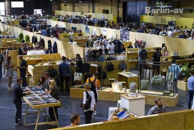 Gleich in einer zweiten Halle: die Modemesse Seek