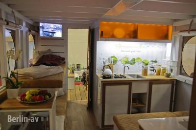 """Das neueste """"Rollyboot"""" Hausboot auf der Boot und Fun 2016"""