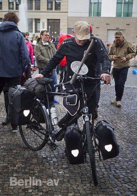 Sven Marx mit seinem Weltreiserad