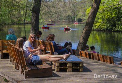 Frühling in Berlin am Neuen See im Tiergarten
