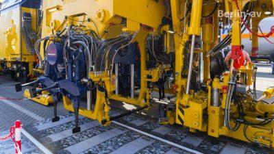 Stopfmaschine mit vollelektrischem Antrieb von Plasser & Theurer