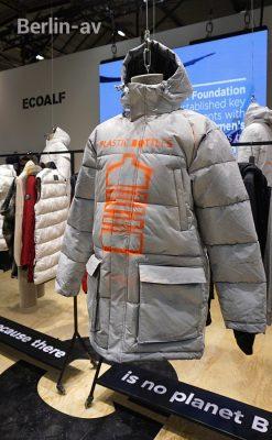 Mode aus recyceltem Plastikmüll bei ecoalf