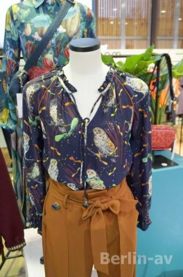 Wunderschöne Blusen, hier mal mit Eulenmotiven von Pom Amsterdam - Premium Modemesse