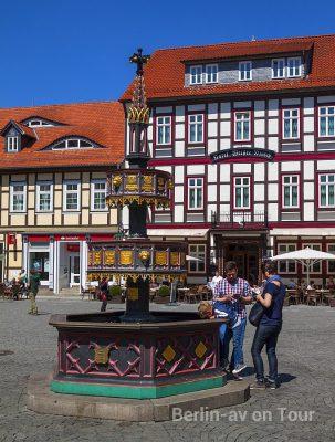 Wernigerode, der Wohltäterbrunnen auf dem Marktplatz